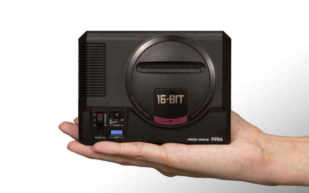 Mega Drive mini: tão pequeno que cabe na palma da mão